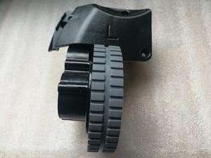 Image 2 - الأصلي اليسار اليمين عجلة مع محرك ل جهاز آلي لتنظيف الأتربة ilife A6 A8 ilife X620 X623 جهاز آلي لتنظيف الأتربة أجزاء عجلة المحرك
