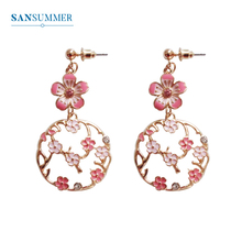 купить SANSUMMER 2019 Women Long Earrings New Design Sweet Hollow Out Flower Earrings Vintage Charm Metal Drop Earrings Jewelry 6090 по цене 99 рублей