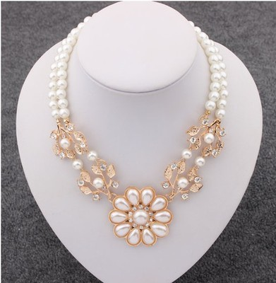 wholesale luxury Simulated pearl chain rhinestone crystal flower choker necklace bead work jewelry for women 2