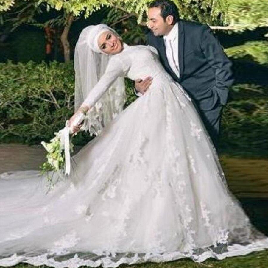 Exquisite Tulle High Neckline A-line Arabic Islamic Wedding Dresses With Lace Applique Chapel Train Applique Bridal Dress