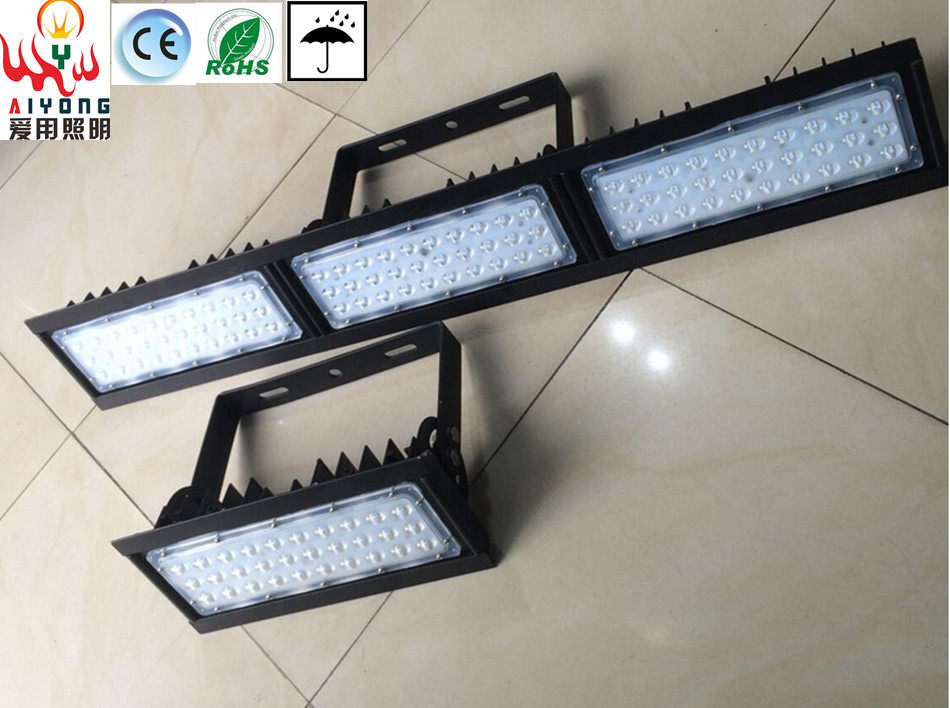LED flood light outdoor water proof a row of light projection lamp 30W60W90W module lateral tunnel light engineering lighting environmentally friendly pvc inflatable shell water floating row of a variety of swimming pearl shell swimming ring