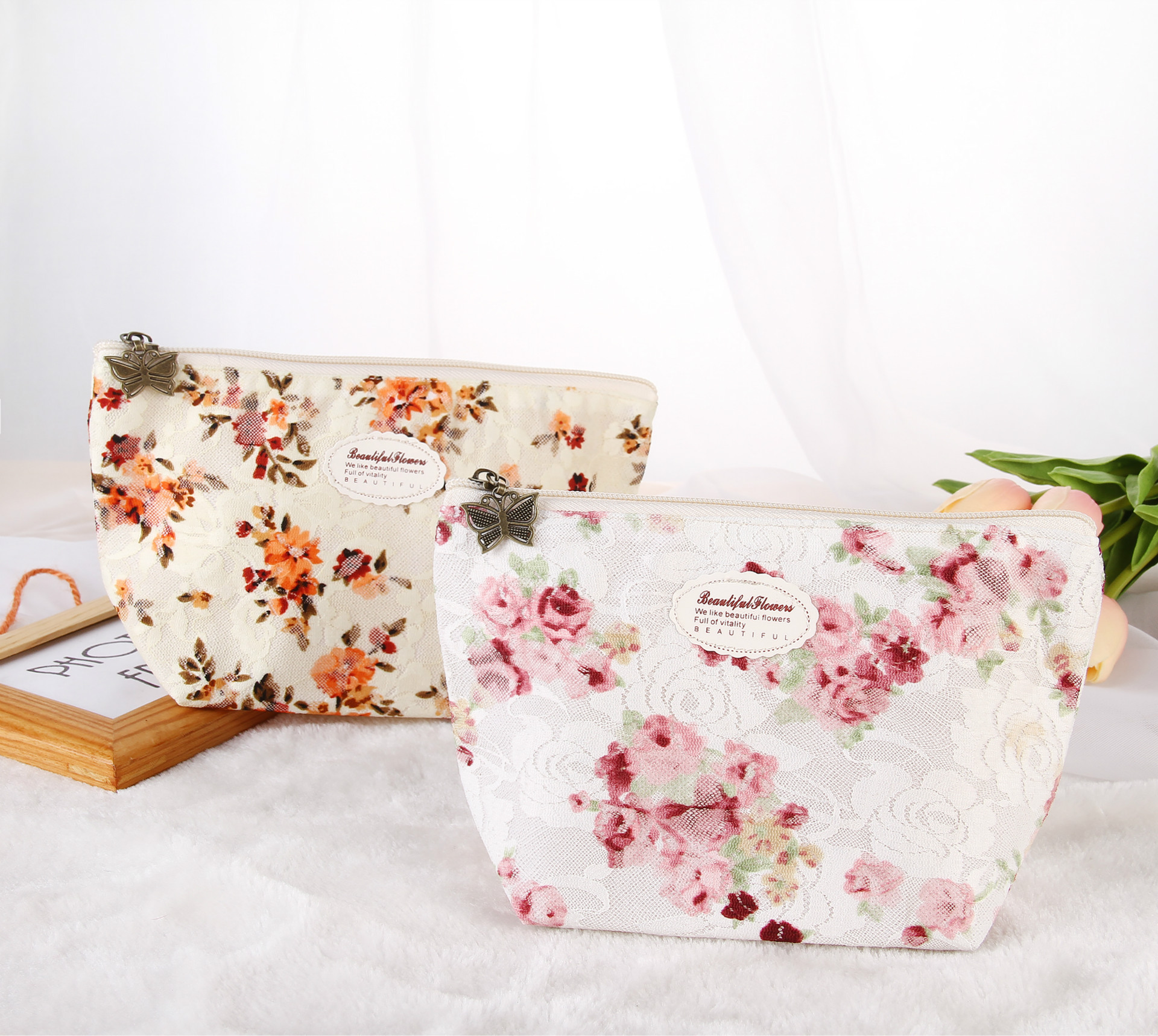 Fresh Summer New Lace Flower Women  Cosmetic bag Makeup bag Trave Zipper Case Ladies Organizer Toiletry bag kits Wash pouch new fashion women mini cosmetic bag organizer women toiletry bag makeup bag bolsa de cosmeticos acb597a