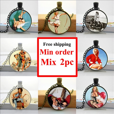 2016 Pinup Girl Necklace Pinup Girl on Motorcycle Jewelry Glass Cabochon Necklace Pendant HZ1