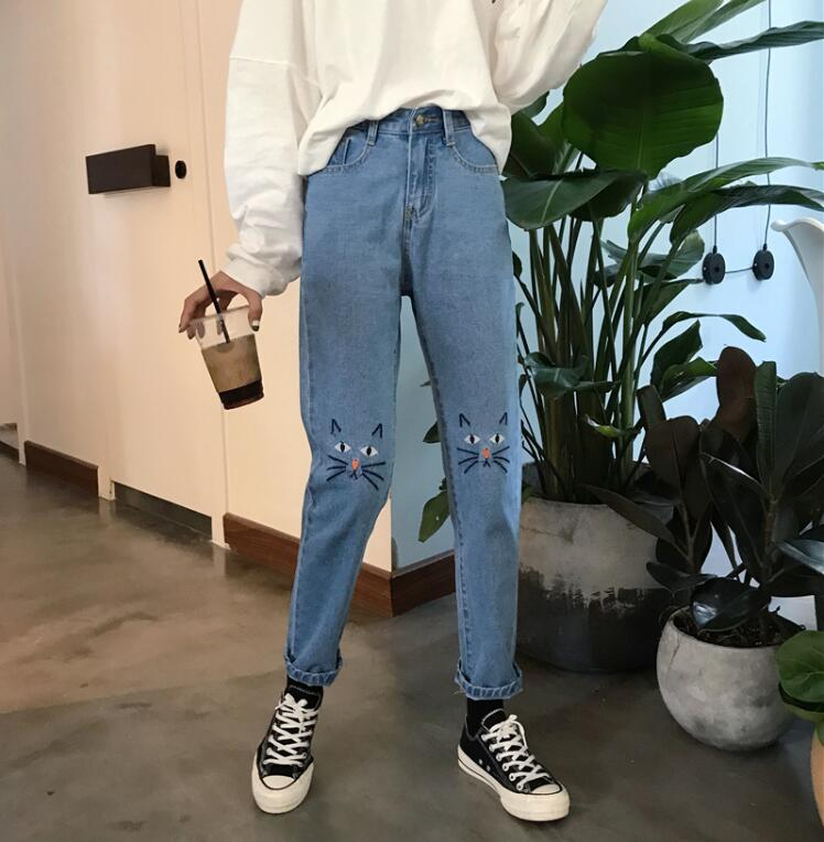 Spring and Autumn Loose Cat embroidery   jeans   women