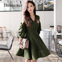 Dabuwawa Cold shoulder green long trench dress Autumn 2018 belt dress female Half Sleeve Dress Sexy V Neck Floral Print Dress
