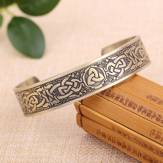 Bracelet Bouddhiste Feuille D'or