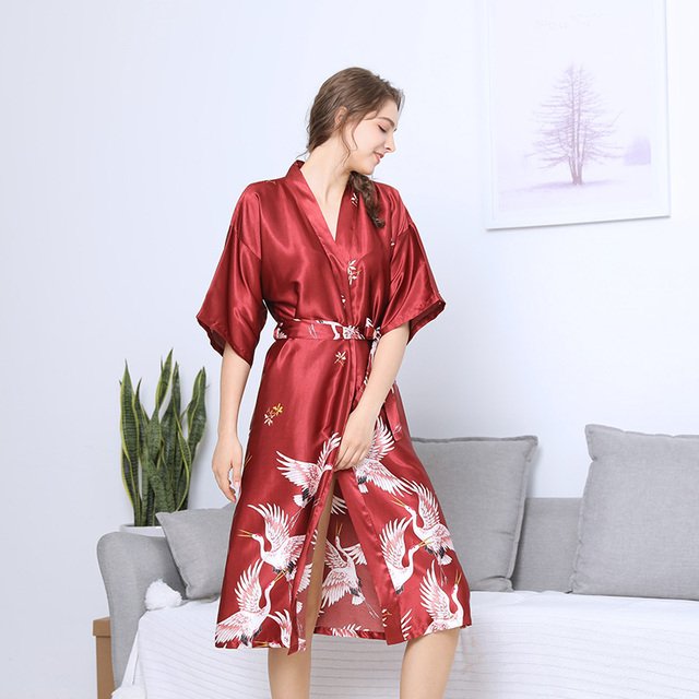 Long Womens Robe Bathrobe Night Sexy Fashio Red Bridal Party Bride Women  Satin Wedding Kimono Sleepwear Spa Robes for Ladies b286dab0a