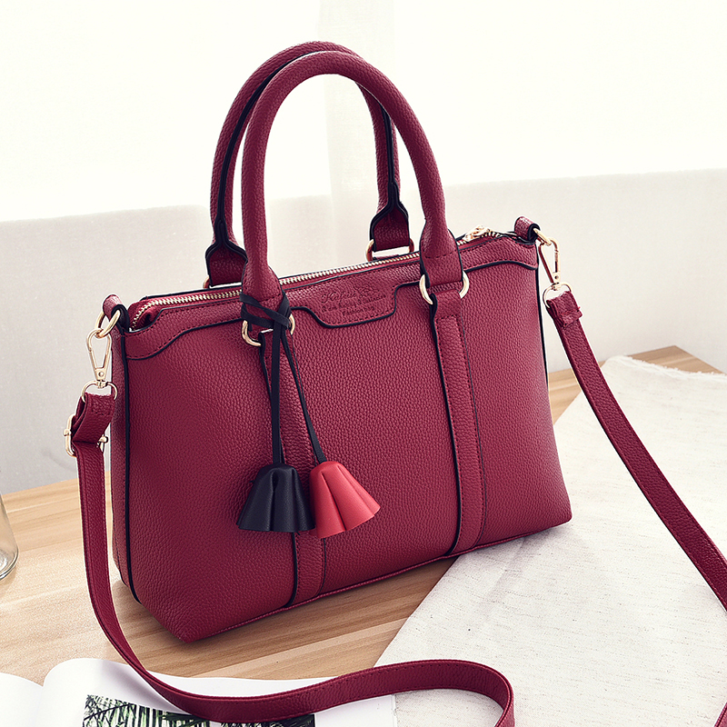 Size 31 21 13cm2016 new business woman fashion font b handbag b font Large capacity pu