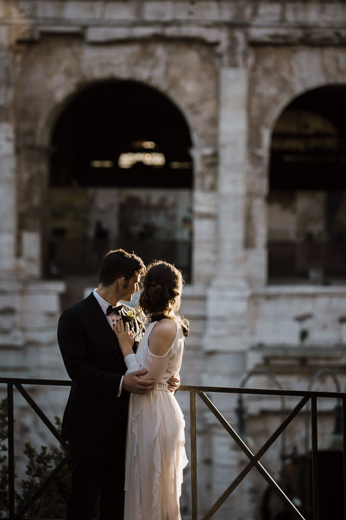 piazza-del-campidoglio-in-rome-was-the-perfect-wedding-destination-for-this-art-and-history-loving-couple-quince-and-mulberry-studios-46-700x1050