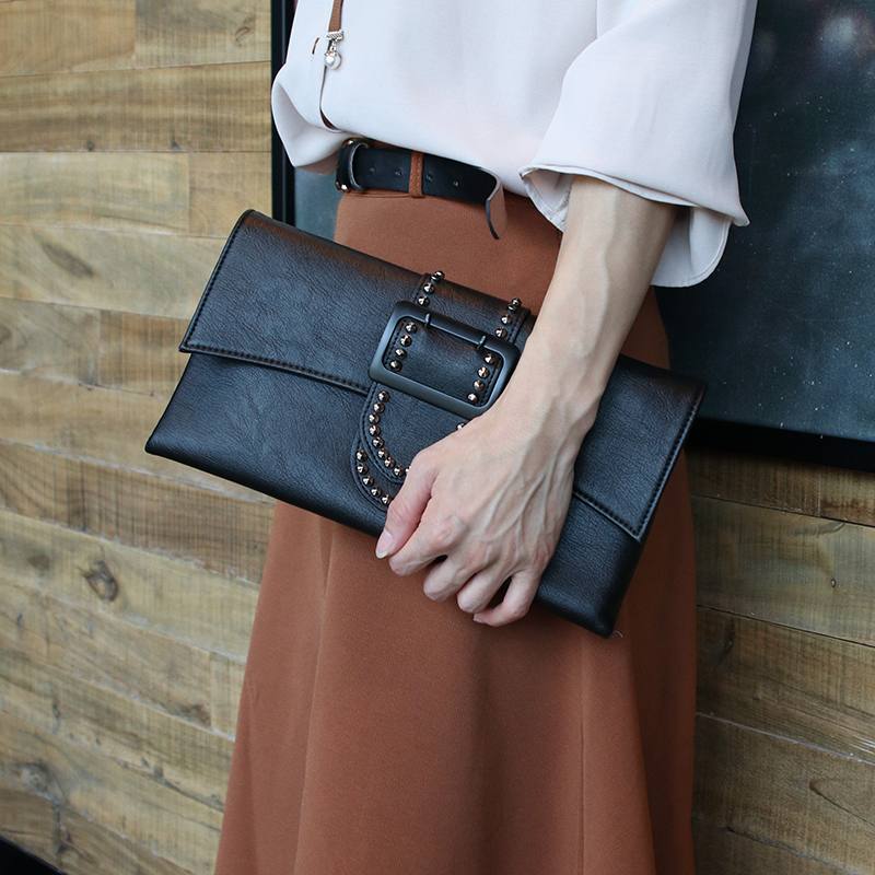 Fashion Rivet Women Luxury Clutches Designer Over Handbag PU Leather Messenger Bag For Women Shoulder Bag Lady Bag Clutch