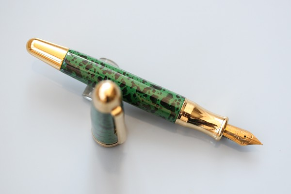 wing sung lukcy 2001 green ball point pen advanced gold plated red fountain pen reminisced FREE shipping wins wing sung l20 all steel gold clip accidnetal fountain pen fountain pen nostalgic classic pen free shipping