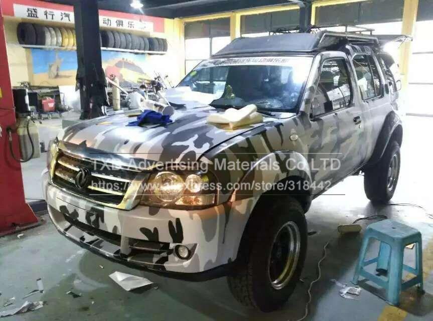 3d8519cc06e9 Calidad premium CAMO sticker bomb vinilo WRAP negro gris blanco nieve  camuflaje vinilo burbuja libre para SUV Truck jeep envuelve