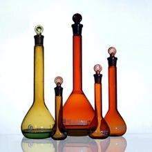 Янтарный коричневый 5 мл до 1000 мл стеклянная объемная колба, колба с заземленной пробкой, лабораторная стеклянная посуда для химических средств