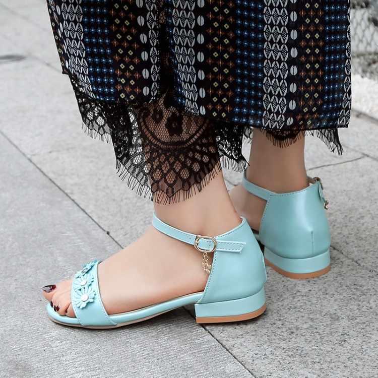 Büyük boy yüksek topuklu sandalet kadın ayakkabı kadın yaz bayanlar çiçek düşük topuklu ve açık ayak bayanlar