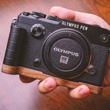 Original Walnut Wooden Base Quick Release L Plate / Bracket Hand Grip Holder Fit For Olympus PEN-F Series