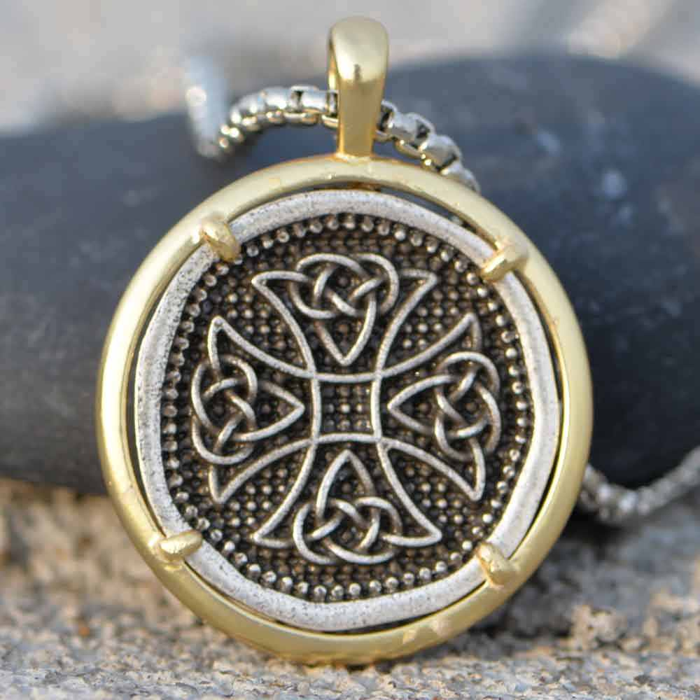 Hand knotted pendant necklace with Vintage bronze coin.