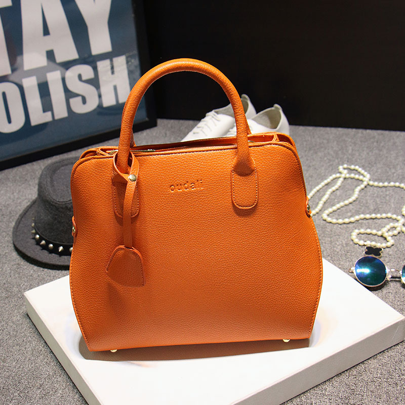 atravessadas bolsas mulheres famosas brandstote Formato : Saffiano