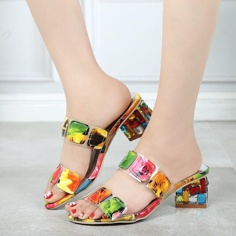 2019 nuevo verano Mujer Sandalias Multi colores moda tacones altos abierto playa chanclas señoras tacones de cristal Zapatos mujer XWT1893