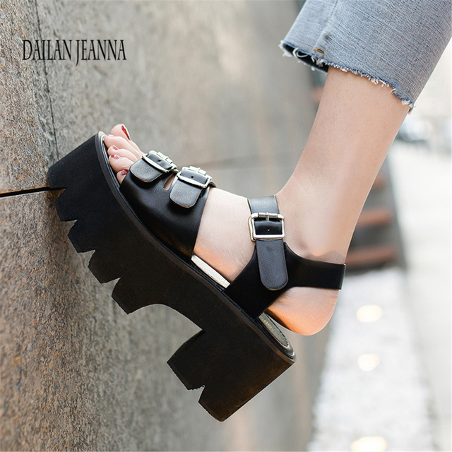 afca2ad7cf6 Korean-edition-thick-soled-muffin-sandals-2018-summer-new -thick-heel-high-heels-institute-wind-toed.jpg 640x640.jpg