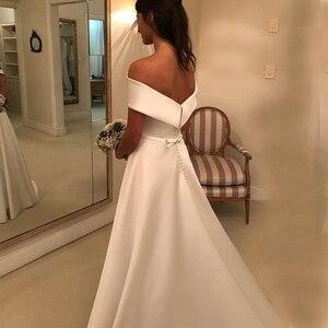 Image 4 - פשוט קו חתונת שמלות סאטן כבוי כתף חתונת כלה שמלות לטאטא רכבת מקרית שמלות ציפר עם כפתורים אחורה