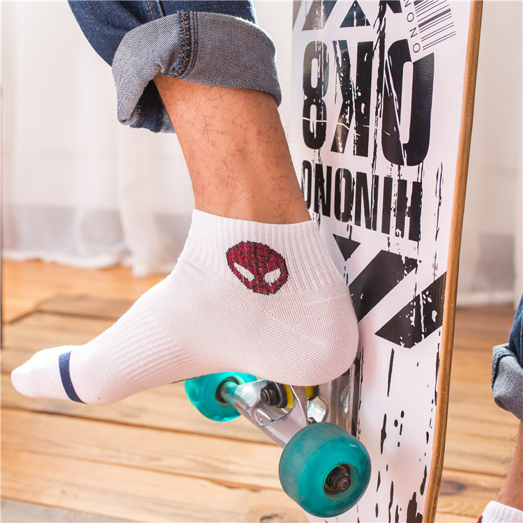 Новый Marvel герои комиксов общие носки мультфильм Железный Человек Капитан Америка высокая температура шить узор случайных мужчин'ы носки