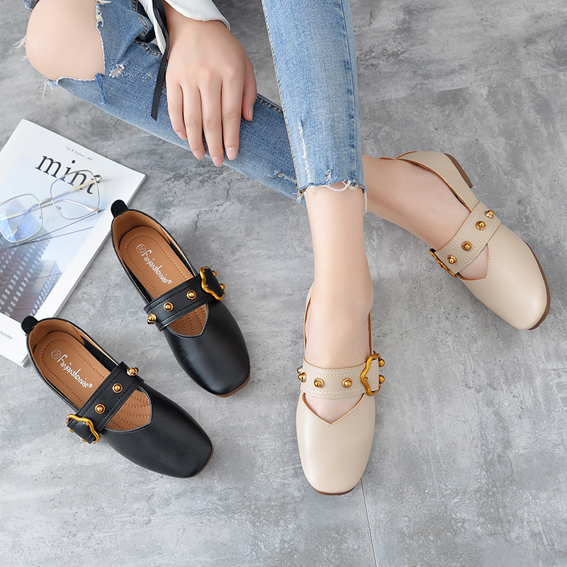 Spring Autumn Women luxury shoes women designers women flat shoes casual Leisure shoes Loafers Patent Leather anti-skid rivets