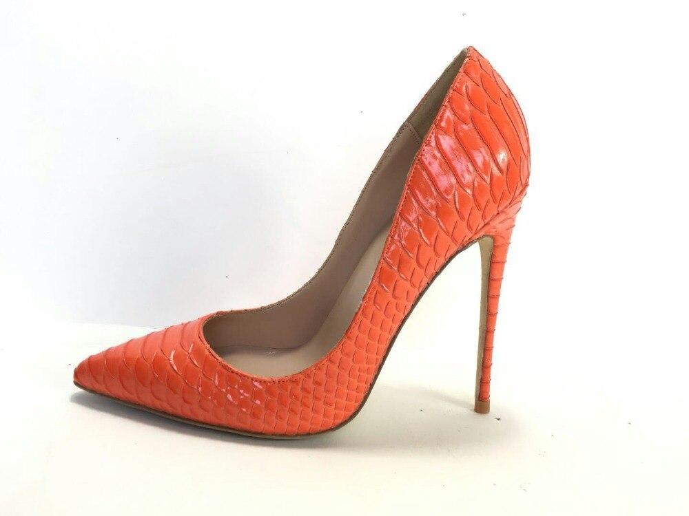 Keshangjia الأزياء بو الجلود عالية الكعب النساء مضخات sanke الطباعة مضخة أحذية الزفاف واشار تو العمل-في أحذية نسائية من أحذية على  مجموعة 3