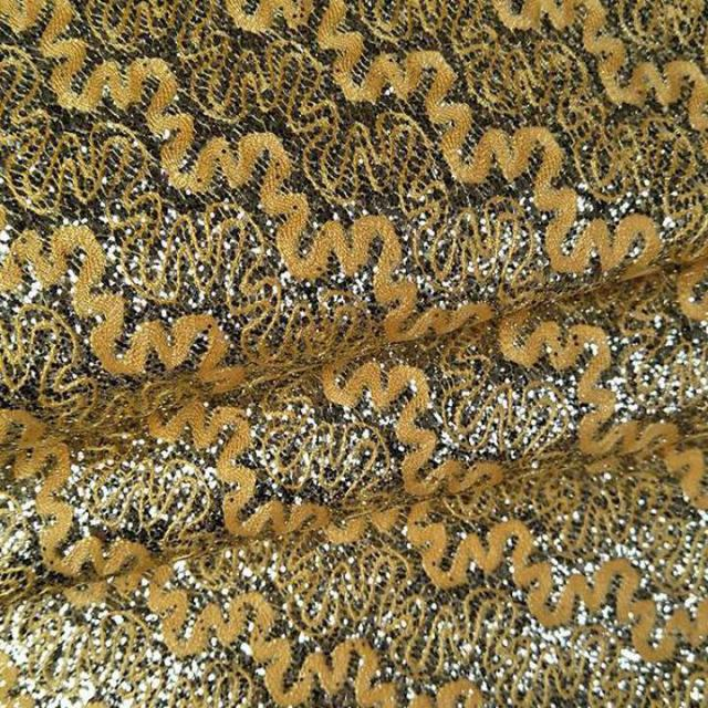 1 meter Gold Glitter Vinyl Leatherette Upholstery Fabric For Furniture  Purse Bags Metalic Reflective Leather Material Tela Piel 6dc68b46a016