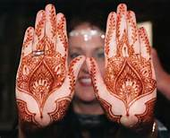 Henna Party Mehndi Kerucut Merah : Henna tattoo paste cone indian wedding red temporary stickers