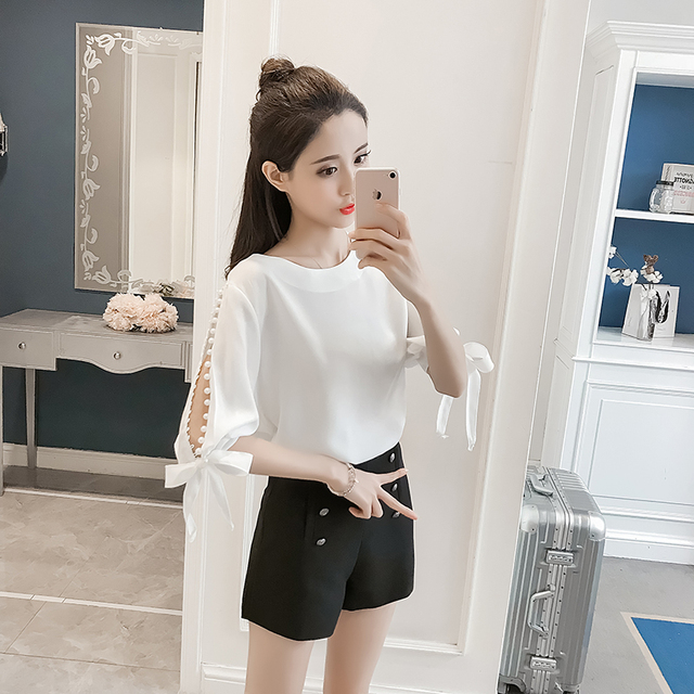 New 2018 Summer Pearl Sleeve Loose Women Blouses Shirt White Shirt Hollow Chiffon Shirt Small Fashion Cute Female Blusas 0359 40