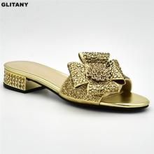 Последние дамы пикантная обувь на низком каблуке; Для женщин; женские туфли-лодочки без застежек на Для женщин летние туфли, декорированные Стразы Женская обувь