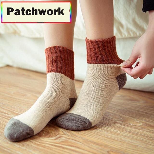 Retro engrosamiento calcetines de las mujeres de otoño e invierno de lana de conejo Patchwork Calcetines Mujer japonés nuevo 5 colores tubo estudiantes medias