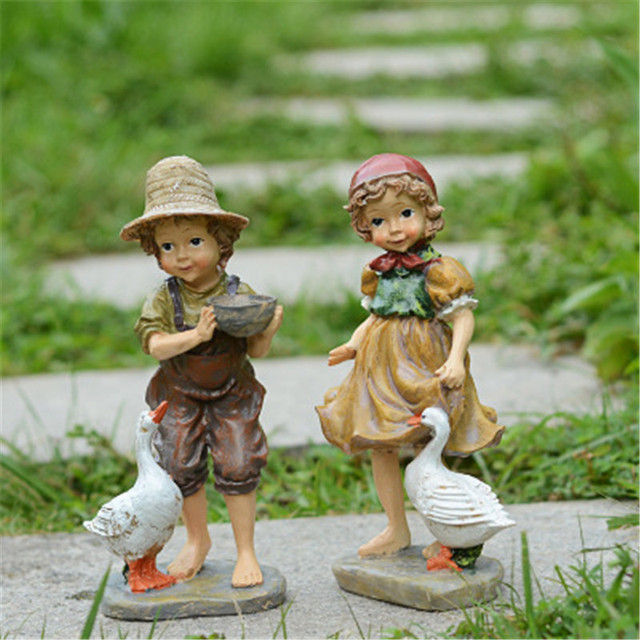 22cm / 24cm High Garden Decoration Outdoor Art Resin American Girl and Boy Garden Figurines House Garden Yard Decor