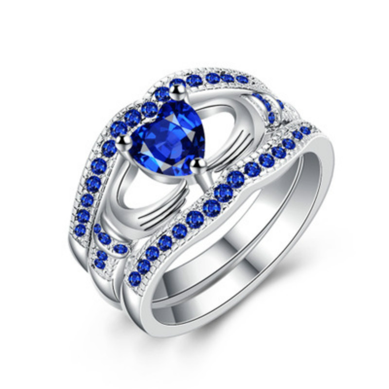 Fashion Silver Plated Blue Crystal Rings Jewelry Hand Holding The Heart-shaped Clarinet Wedding Rings For Women Engagement Ring