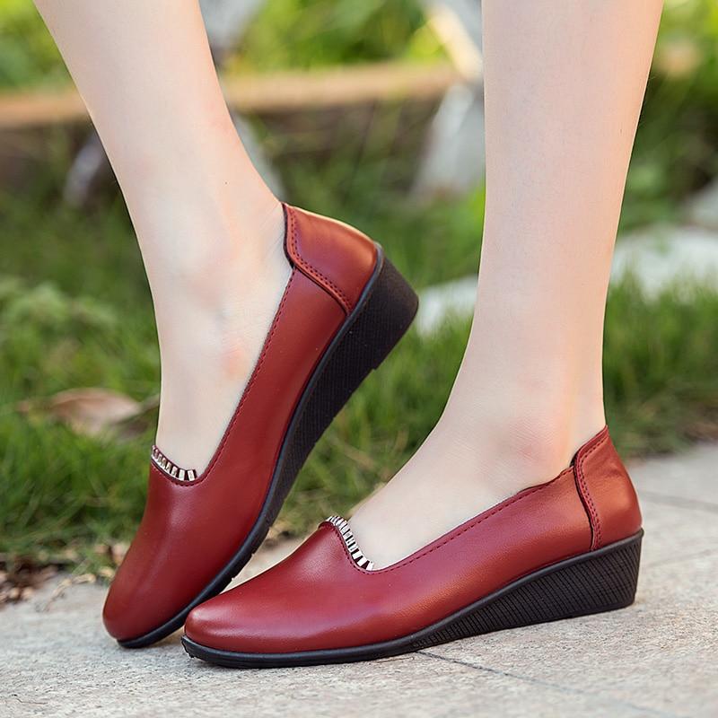 ZZPOHE Musim Semi baru ibu sepatu bawah lembut setengah baya kasual wanita  sepatu ukuran sepatu nenek hitam non slip kenyamanan besar di Wanita Flat  dari ... 0ae6ee3c70