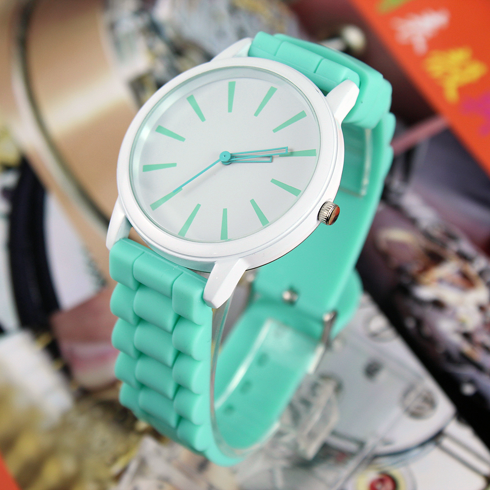 New Fashion 2018 Simple Men Women Quartz Wristwatches GREEN WHITE C1235