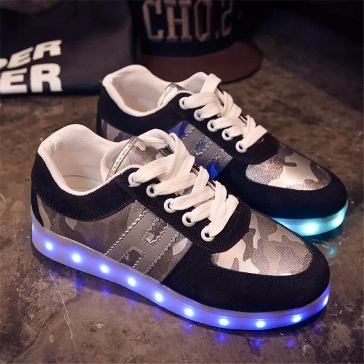 nouvelle chaussure lumineuse,Basket Sneaker LED Style Croco