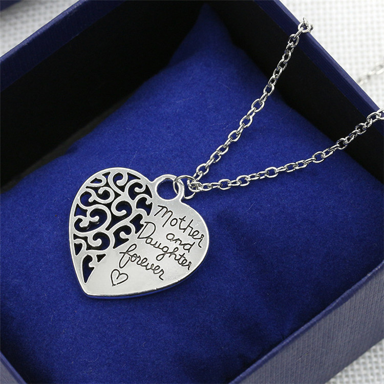 2017 Personalized Family Necklace Mom Necklace with Kids Names Engraved Heart Mother Necklace Silver Birthstone Jewelry for Mom