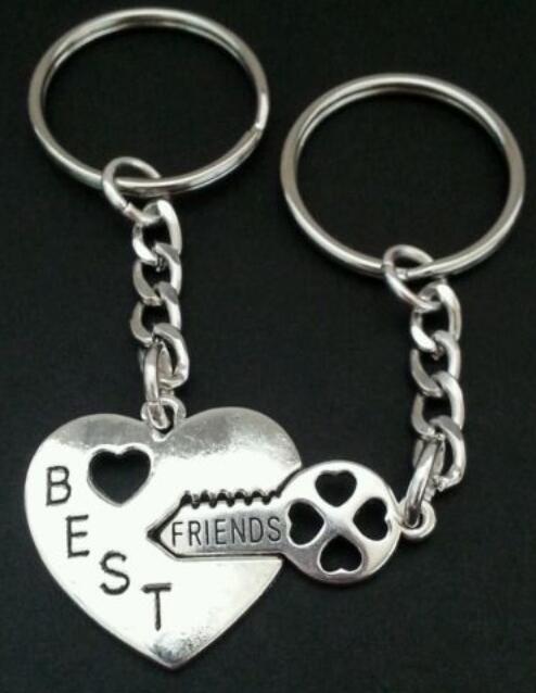 Vintage Silver BFF Best Friends Heart Keychain For Keys Car Bag Key Chain Handbag Couple Key Ring Gift Jewelry Accessories B608