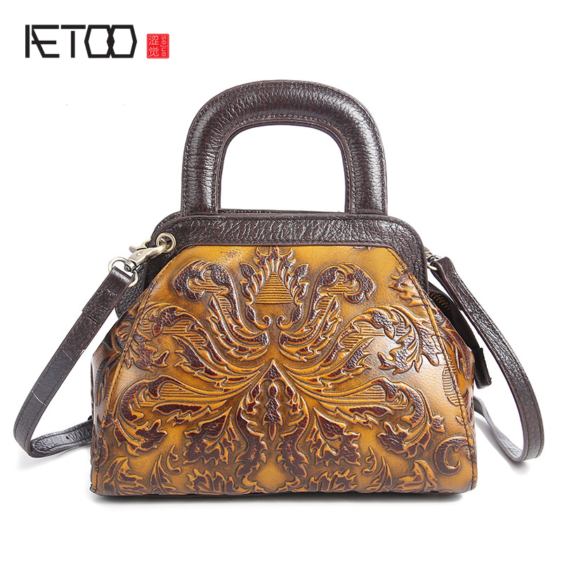 AETOO The new retro leather handbags embossed hand-wiping multi-functional casual portable shoulder Messenger bagAETOO The new retro leather handbags embossed hand-wiping multi-functional casual portable shoulder Messenger bag
