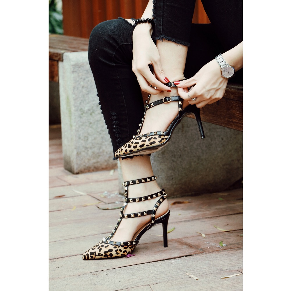 Women Sandals 2018 Summer High Heels Ladies Sexy Leopard Strap Buckle Spikes Pumps Pointed Toe Shoes SIZE 35-42 Free shipping hot 2016 new fashion t strap buckle pumps women high heels ladies sexy pointed toe summer party wedding patchwork shoes sandals