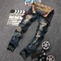 La nueva tinta de impresión vaqueros lavados ripped jeans hombres jeans hombres petirrojos vaqueros Delgados rectos ripped onda