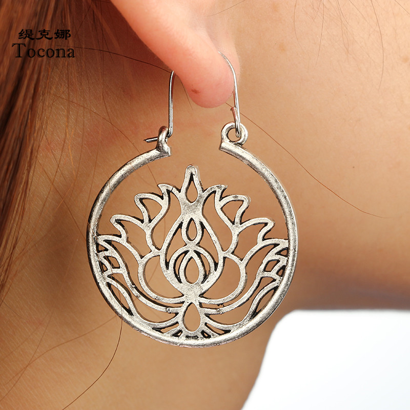 Tocona Vintage Tribal Hollow Circle Lotus Flower Drop Earrings for Women Punk Silver Alloy Piercing Dangle Earrings Jewelry 4900 circle