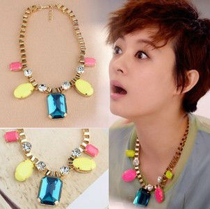Free Shipping 2018 new jewelry accessories fashion noble long necklace gold chain acrylic neon big gem crystal multicolor female