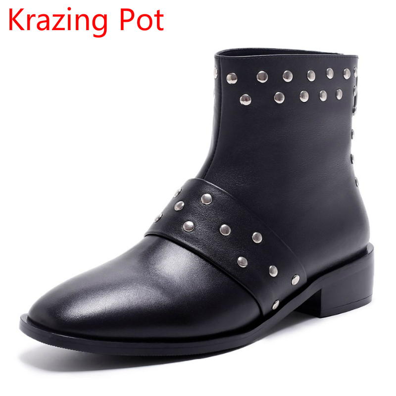 New Arrival Genuine Leather Rivets Thick Heel Round Toe Metal Decoration Women Ankle Boots Handsome Motorcycle Winter Boots L50 riding winter boots feathers 2015 new fashion korean metal decoration genuine leather elevator pull on pure color round toe