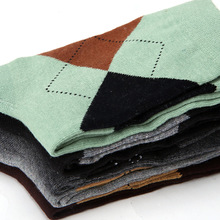 (5 pairs /lot) wholesale 5 colors high quality cotton autumn winter simple style brand men classic box dress argyle socks