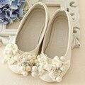 2017 novo estilo de pérolas de luxo ballet shoes para crianças caçoa meninas moda flats shoes pérolas arco de casamento da princesa shoes meninas