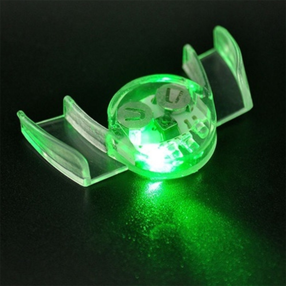 1pcs Glow Tooth Funny LED Flash Brace Mouth Guard Piece Glow Party Supplies Light Kids Children Light-up Toys A507