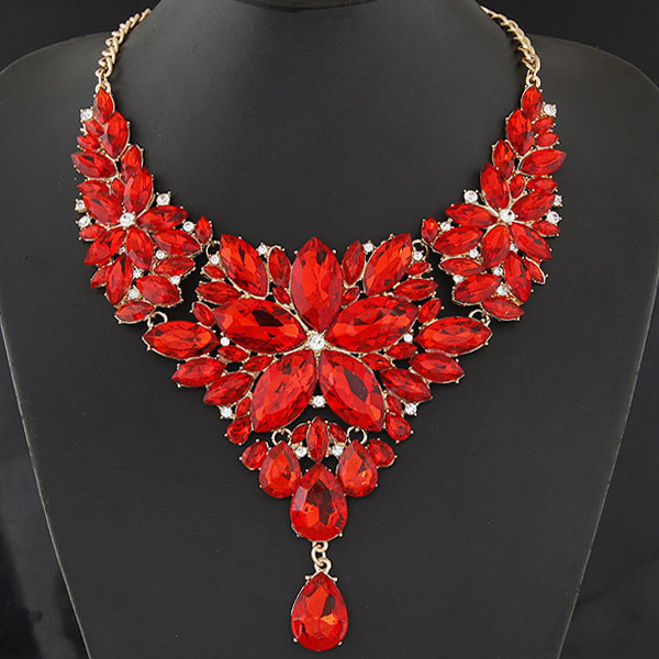 Vintage Gold Plated Crystal Flower Statement Necklace