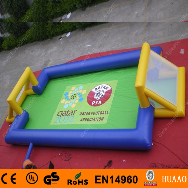 Free Shipping 2018 New Inflatable Football Pitch Inflatable Soap Football with Free CE blower and Logo printing